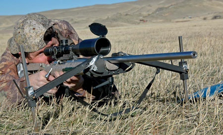 This professional predator hunter shares tips for making the long shot.